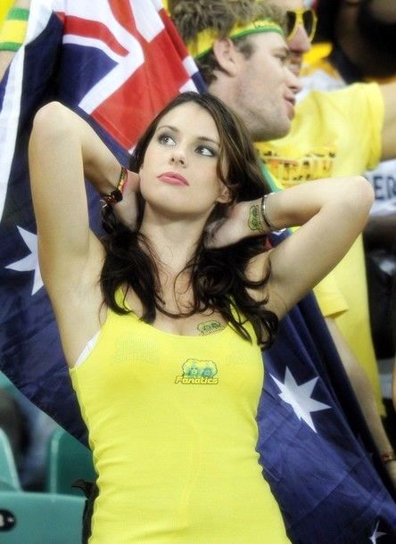 world-cup-2010-hot-fans-17