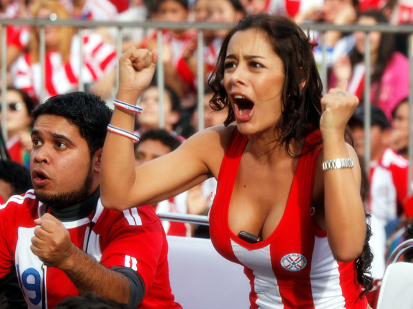 world-cup-2010-hot-fans-7