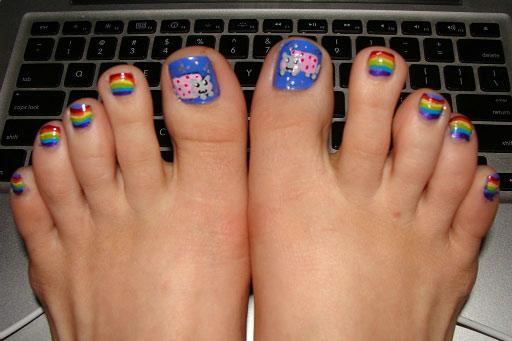 funny-Nyan-cat-nails-toes