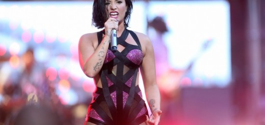 recording-artist-demi-lovato-performs-on-the-pepsi-stage-during-the-2015-mtv-video-music-awards-at-the-orpheum-theatre