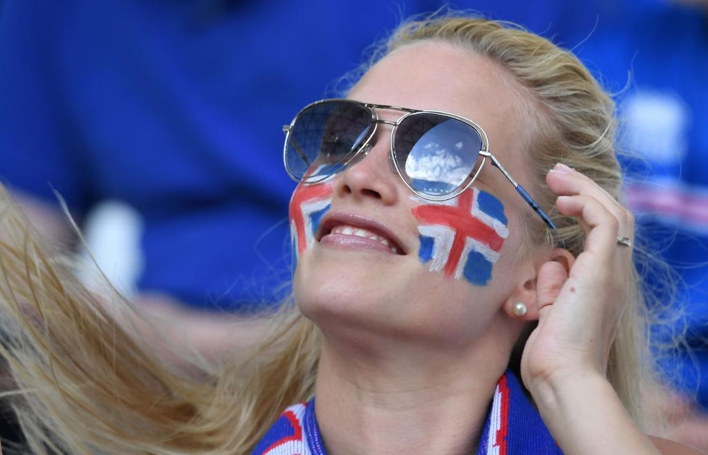 An Iceland's supporter is pictured ahead of the Euro 2016 group F football match between Iceland and Hungary at the Stade Velodrome in Marseille on June 18, 2016. / AFP PHOTO / BORIS HORVAT