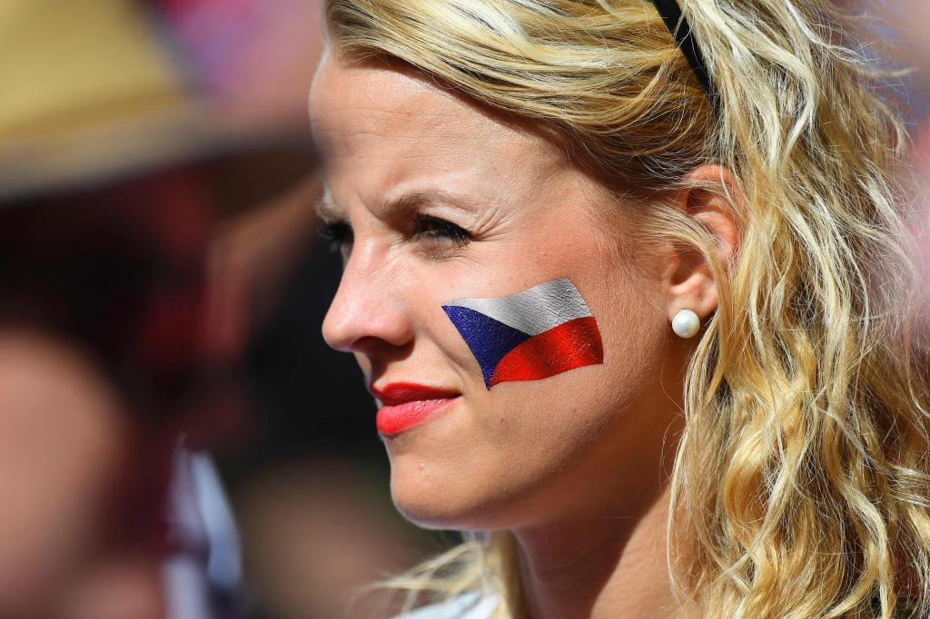 A Czech Republic supporter looks on ahead of the Euro 2016 group D football match between Czech Republic and Croatia at the Geoffroy-Guichard stadium in Saint-Etienne on June 17, 2016. / AFP PHOTO / Joe KLAMAR